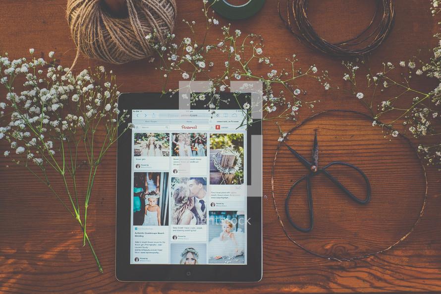 ipad, Pintrest, crafts, crown of flowers, wedding