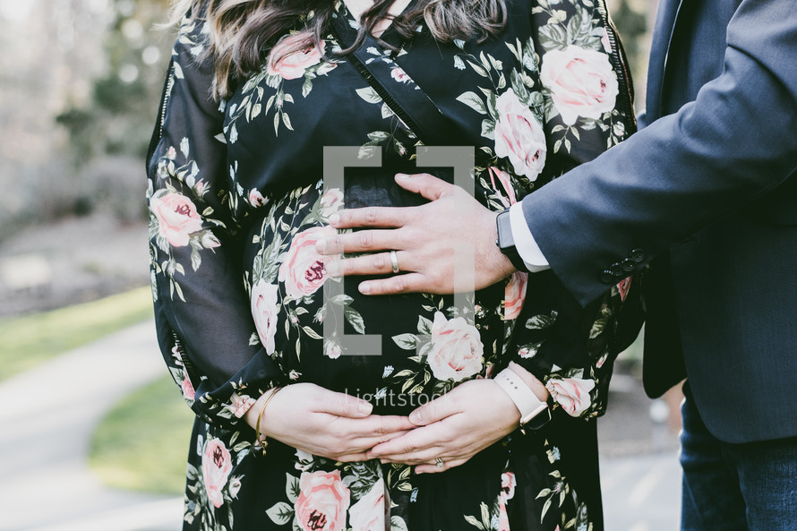 love between an expecting couple