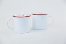 marshmallows in mugs