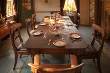 set dining room table