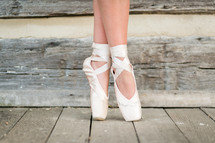 ballerina in toe shoes
