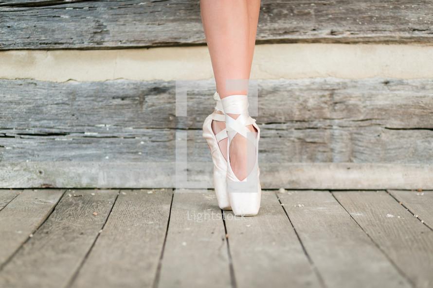 ballerina in toe shoes