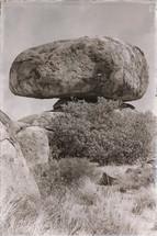 rocks of devil's marble