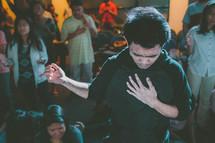 congregation praising God