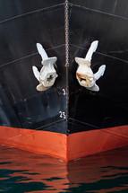 anchors on a ship bow