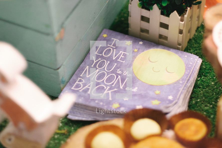I love you to the moon and back napkins