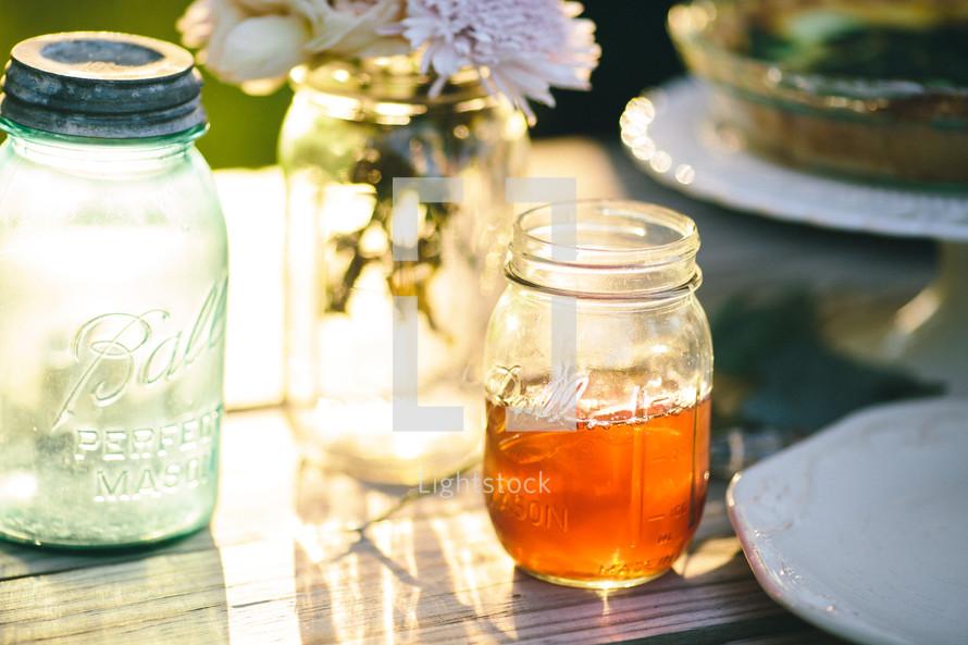tea in a mason jar